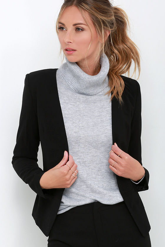 A really unique high-end and high-fashion cropped blazer in jet black from the Porsche Design FW/18 collection. Perfect for sophisticated parties and soirees all year round. Made in Italy from very high quality materials, the flattering slim fit shape of this jacket really makes for a wow factor.