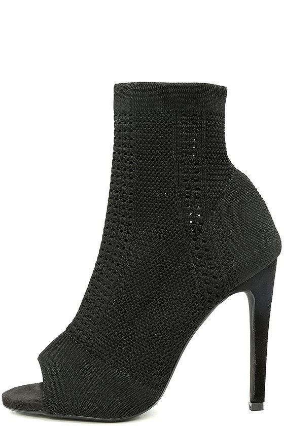 2fd13d3a3bb Alexander Mcqueen Black And White Peep Toe Heels – Australia.55171 – Black    White – Ladies Heeled Shoes