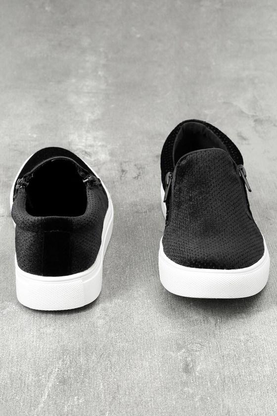 Alma Black Slip-On Sneakers