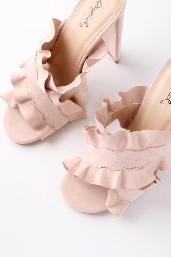 Sexy women in high heels-7931