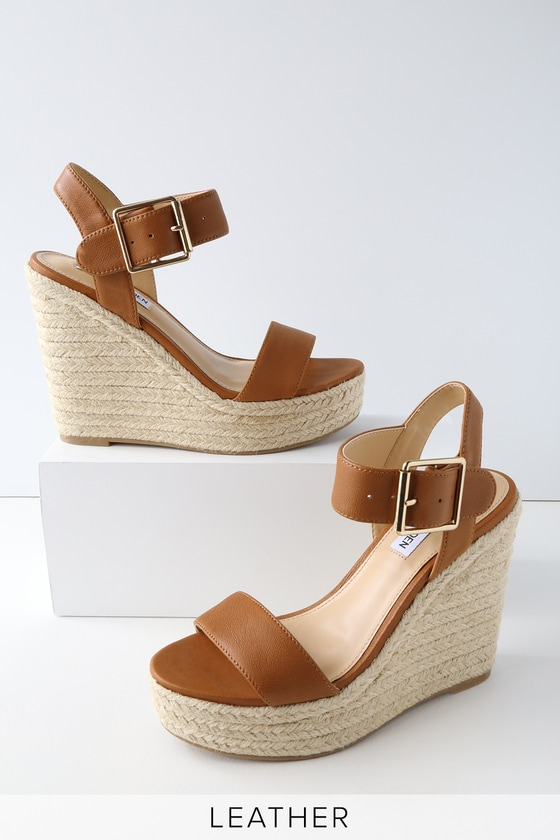 Jan 09, · harishkr.ml History. Lulus was founded in by mother and daughter team Debra Cannon and Colleen Winter. The pair opened a small clothing store, then took over a shoe 1/5(1).