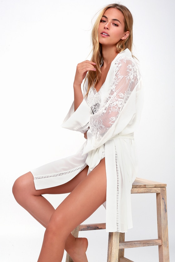 MORNING LIGHT SHEER WHITE LACE ROBE LUSH