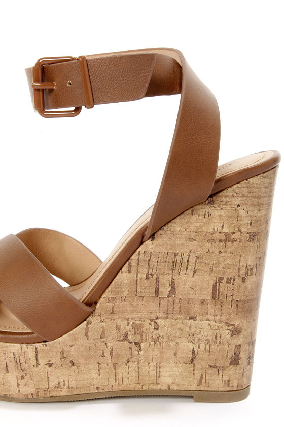 City Classified Olio Tan Platform Wedge Sandals 27 00