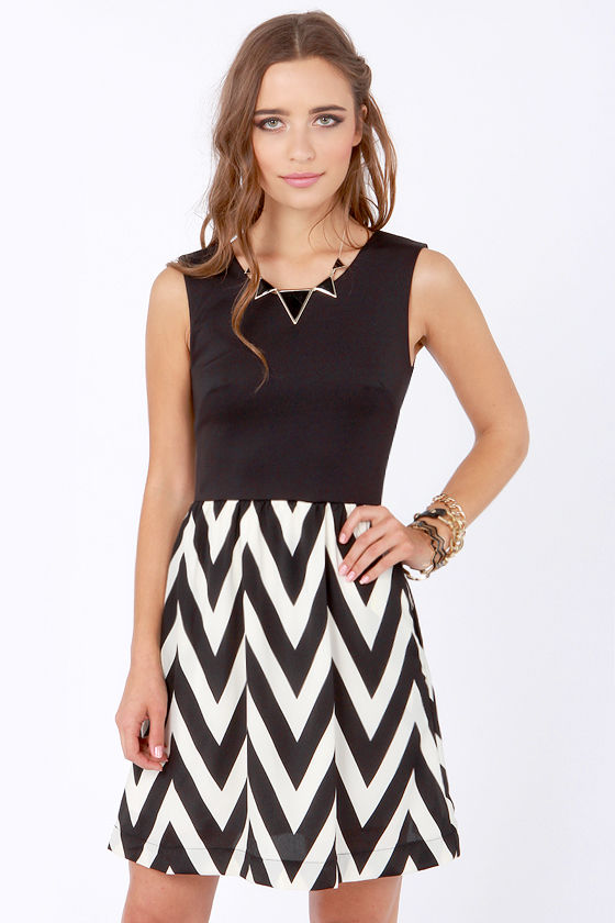 Tell Me Chev-erything Black and White Chevron Print Dress at Lulus.com!