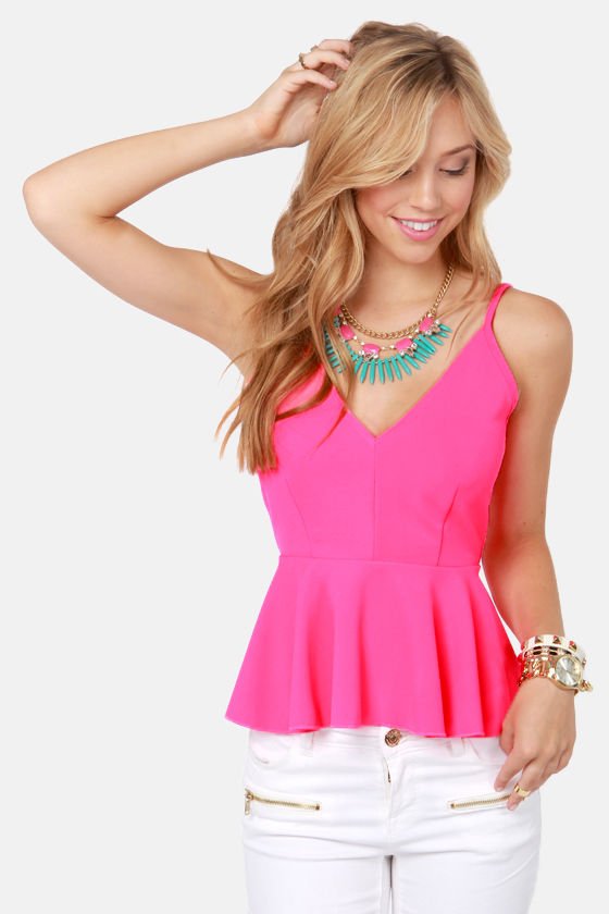 Neon Outfits Fun and vibrant sexy neon outfits are now available at Yandy! For your next night out, choose from one of our cute neon outfits, including neon party outfits!
