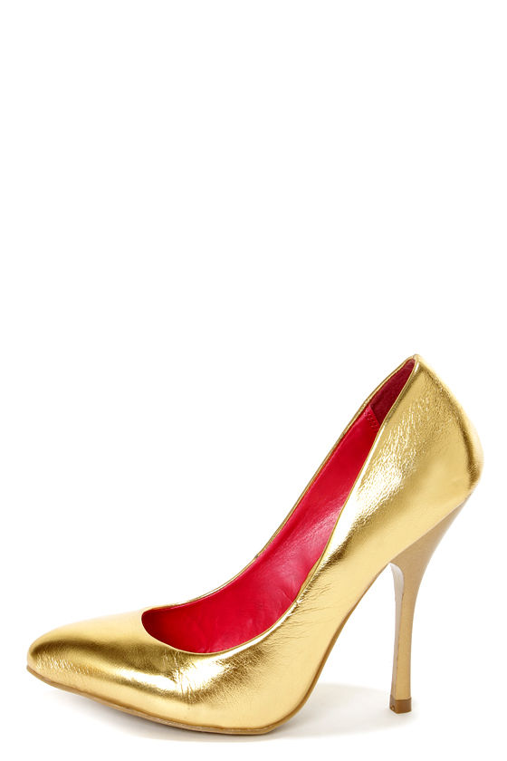 Shoe Republic LA Dawson Gold Metallic Pointed Pumps at Lulus.com!