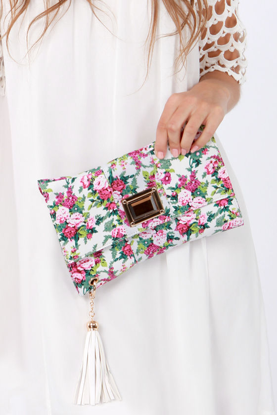 Orchid-ing Around Floral Print Clutch at Lulus.com!