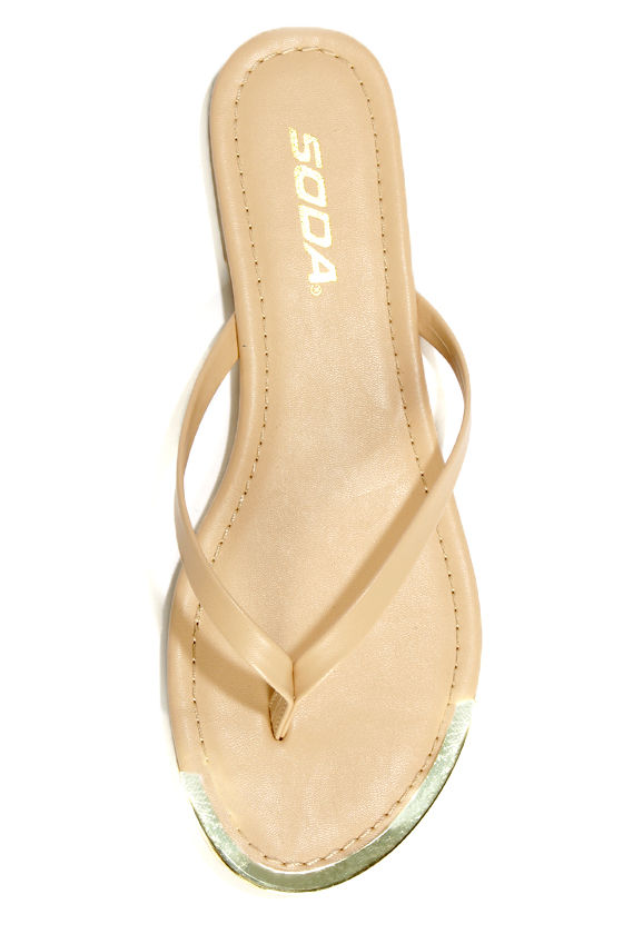Soda Union Nude Gold-Tipped Thong Sandals at Lulus.com!