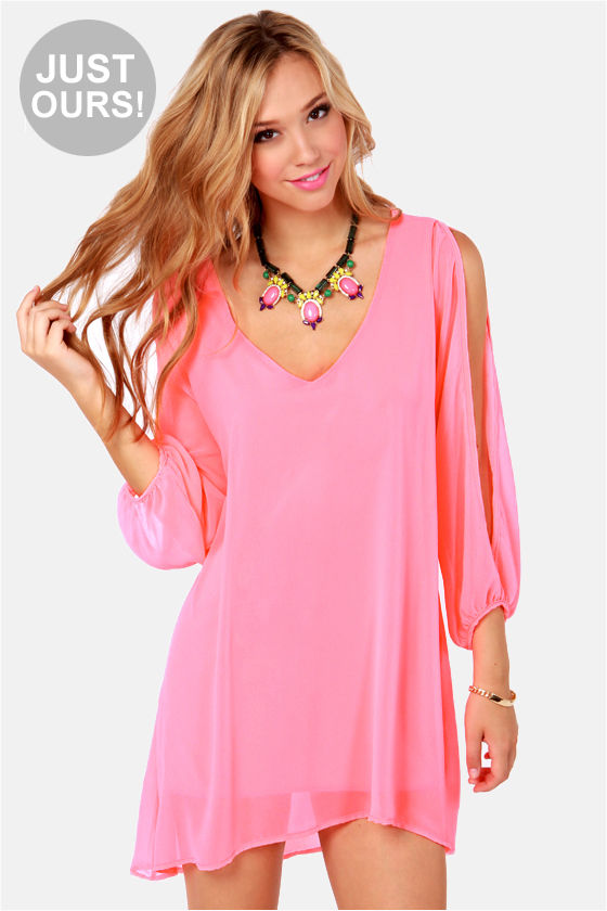 Shop our Collection of Women's Pink Dresses at distrib-ah3euse9.tk for the Latest Designer Brands & Styles. FREE SHIPPING AVAILABLE! Long Sleeve (61) Halter (1) Neckline Thalia Sodi Bell-Sleeve Shift Dress with Necklace, Created for Macy's.