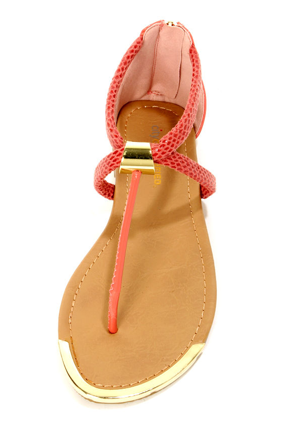 City Classified Harty Salmon Snake T-Strap Thong Sandals at Lulus.com!
