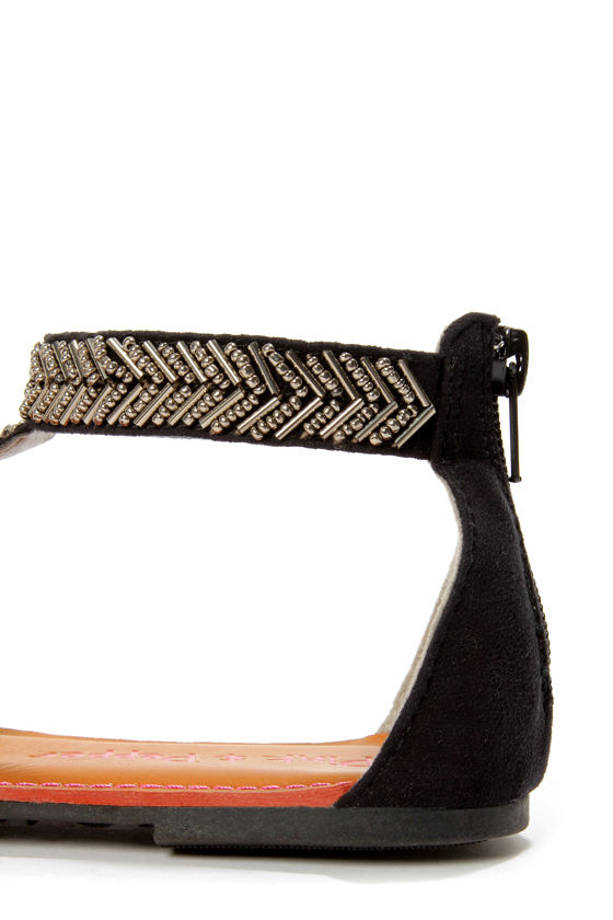 Pink & Pepper Salior Black Beaded T-Strap Thong Sandals at Lulus.com!