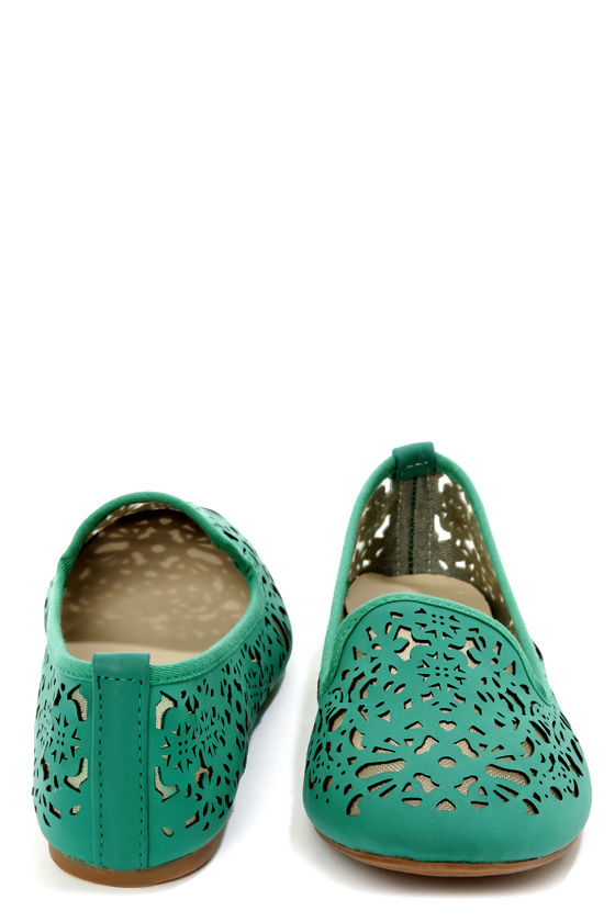 Bamboo Kiwi 19 Emerald Green Laser Cutout Smoking Slipper Flats at Lulus.com!