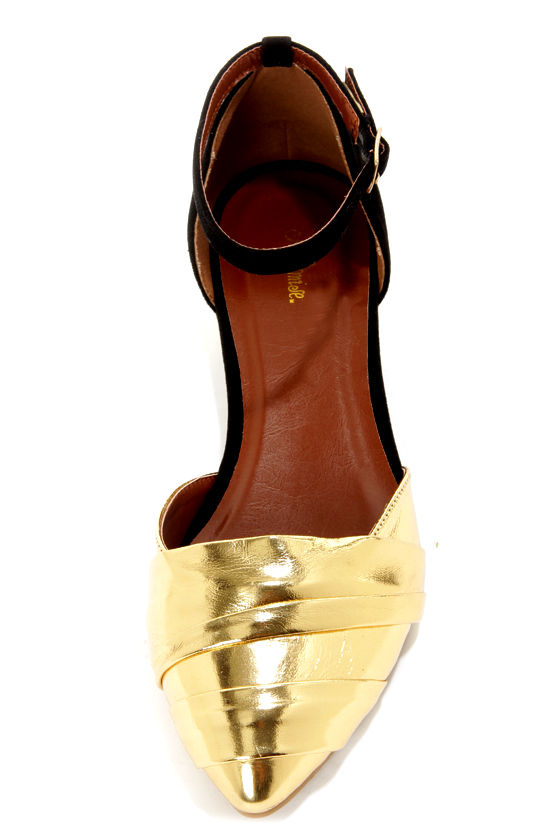 Promise Wilbur Gold and Black Pointed D'Orsay Flats at Lulus.com!
