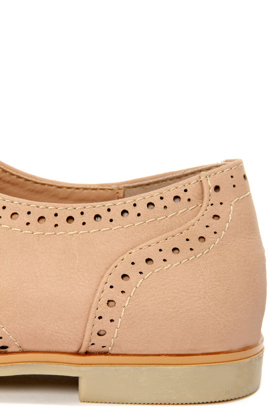 Dollhouse Joey Nude Lace-Up Brogue Oxfords at Lulus.com!