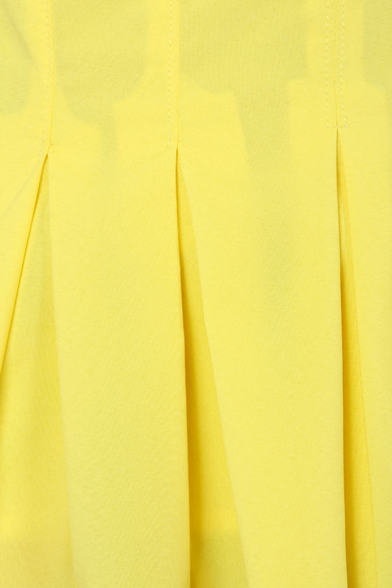 A Feat of Pleats Sleeveless Yellow Top at Lulus.com!
