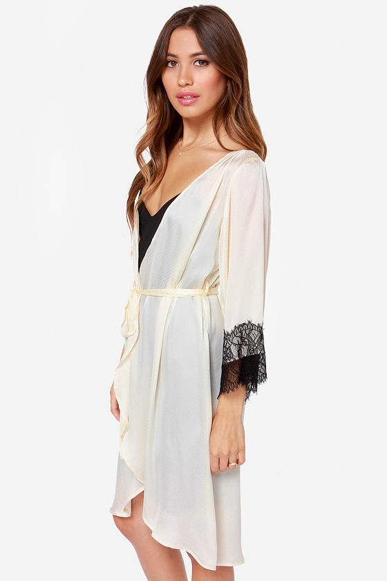 Life of Leisure Cream Lace Robe at Lulus.com!