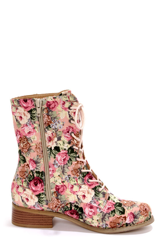 Wild Diva Lounge Madrid 10 Pink Floral Lace-Up Combat Boots at Lulus.com!