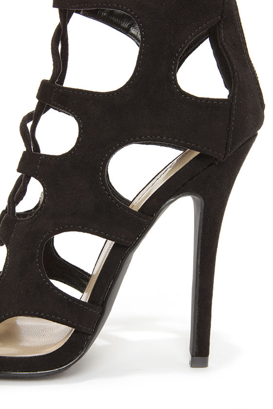 Roma 31 Black Cutout Lace-Up Booties at Lulus.com!