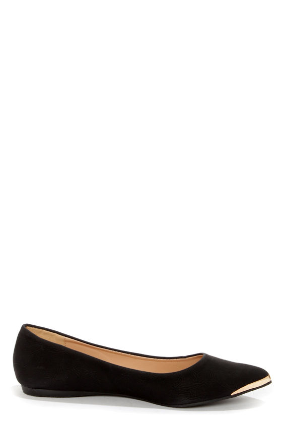 Mixx Shuz Ian 02 Black Gold-Tipped Pointed Flats at Lulus.com!