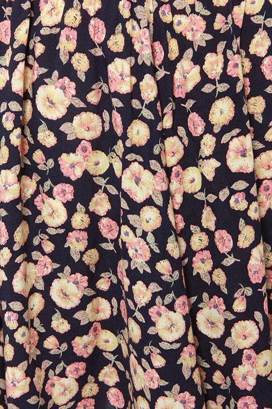 Fleur-tatious Side Navy Blue Floral Print Skirt at Lulus.com!