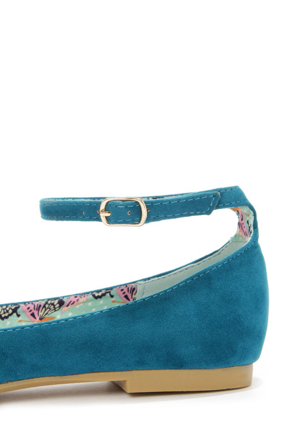 Bamboo Object 09 Teal Velvet Pointed Flats at Lulus.com!