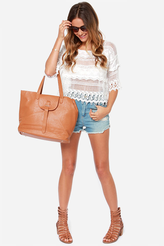 Off to Santorini Ivory Lace Top at Lulus.com!