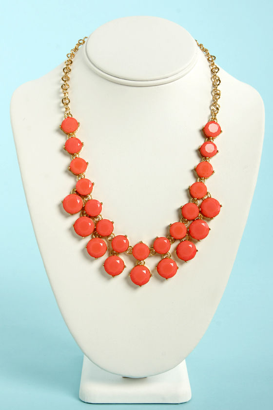Loan Me a Stone Coral Statement Necklace at Lulus.com!