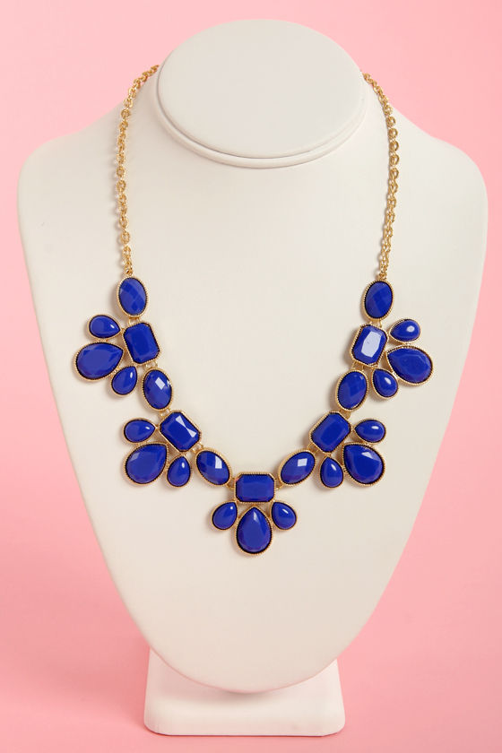 Gem Class Cobalt Blue Statement Necklace at Lulus.com!