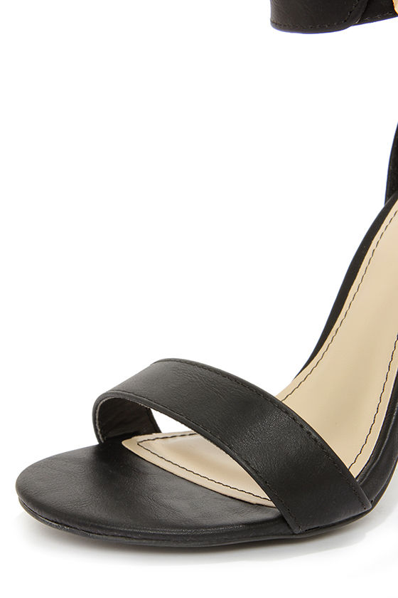 Bamboo Senza 17 Black Buckled Ankle Strap Heels at Lulus.com!