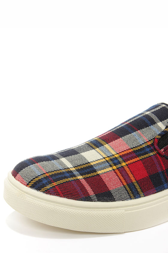 Madden Girl Emmie Plaid Slip-On Sneakers at Lulus.com!
