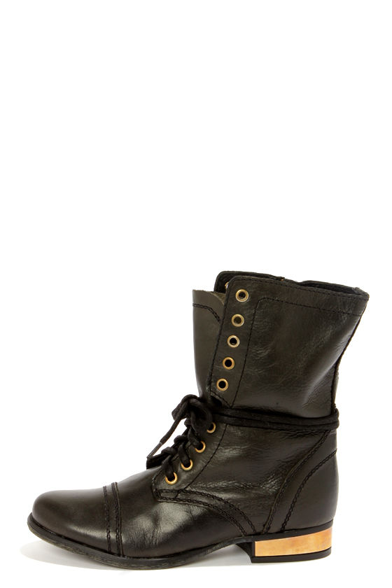 Steve Madden Troopale Black & Gold Leather Lace-Up Combat Boots at Lulus.com!