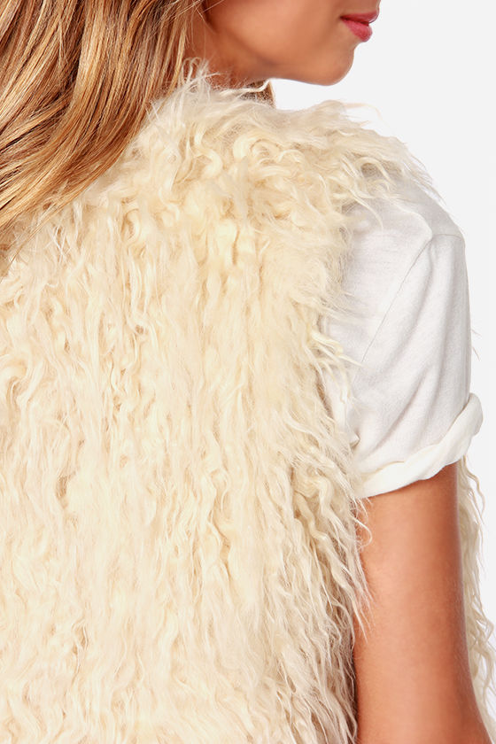 It's a Wild World Cream Faux Fur Vest at Lulus.com!