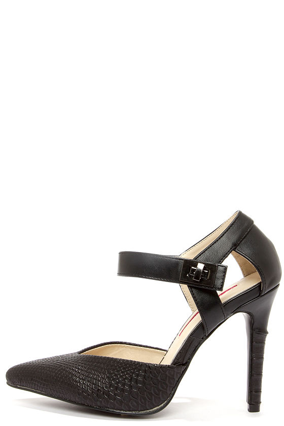 C Label Liberty 2 Black Snakeskin Pointed Pumps at Lulus.com!