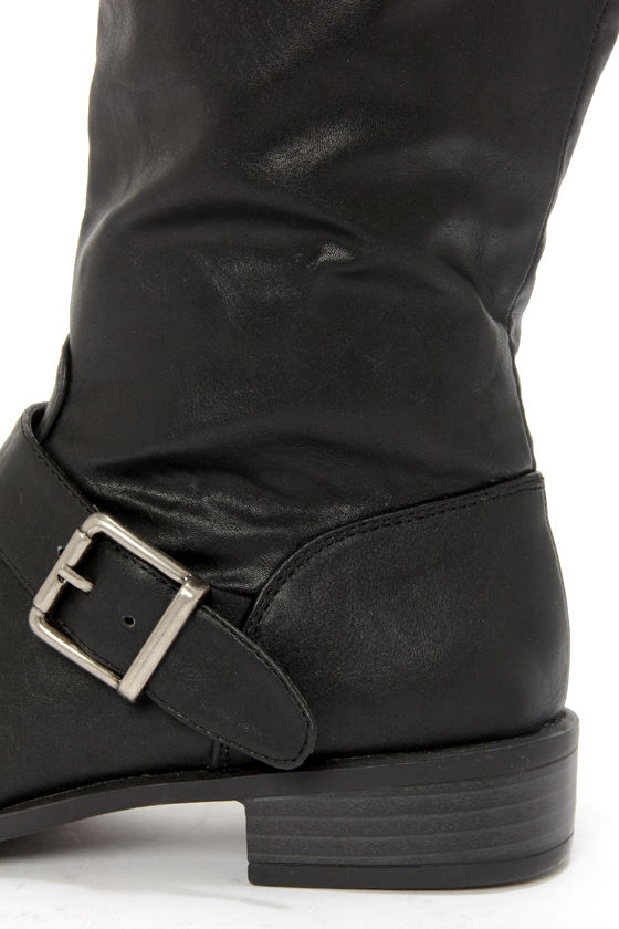 Bamboo Asiana 08N Black Buckled Riding Boots at Lulus.com!