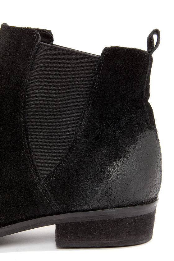 Coconuts Lee Black Suede Ankle Boots at Lulus.com!