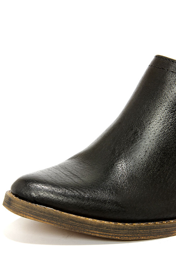 Very Volatile Jackson Black Leather Western Ankle Boots at Lulus.com!