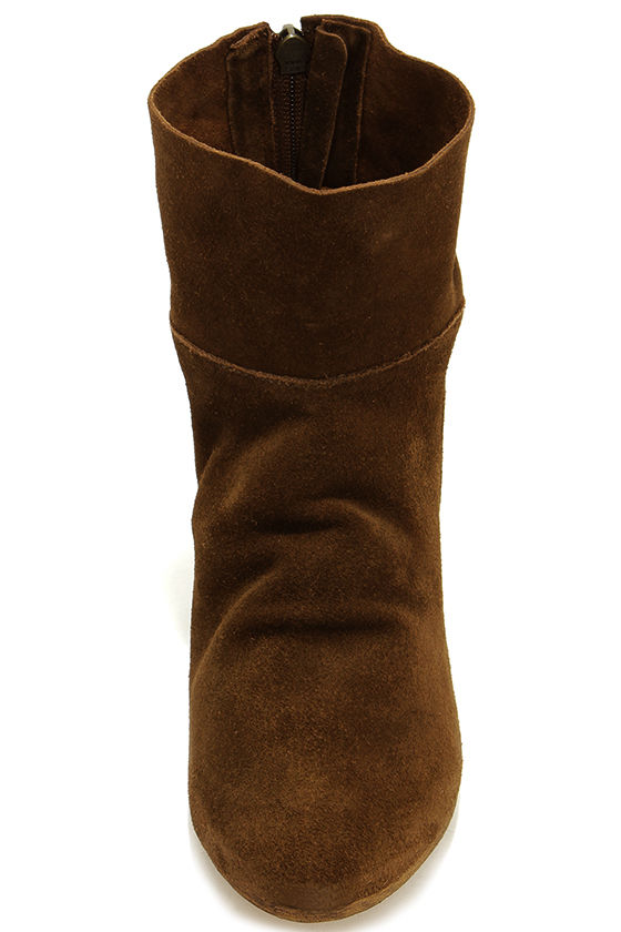 Matisse East Brown Suede Leather Wedge Booties at Lulus.com!