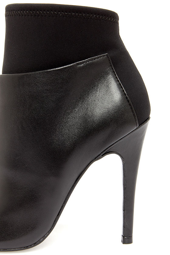 Chinese Laundry Laney Black Nappa Leather Peep Toe Booties at Lulus.com!