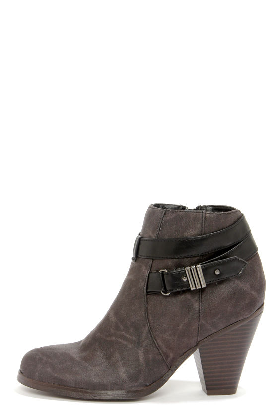 Madden Girl Sulleyy Black Belted High Heel Ankle Boots at Lulus.com!