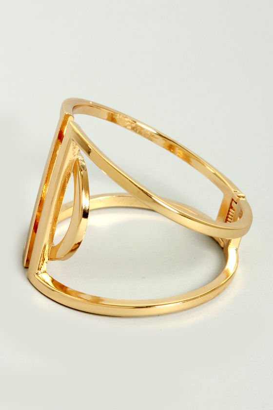A Twist of the Wrist Gold Bracelet at Lulus.com!