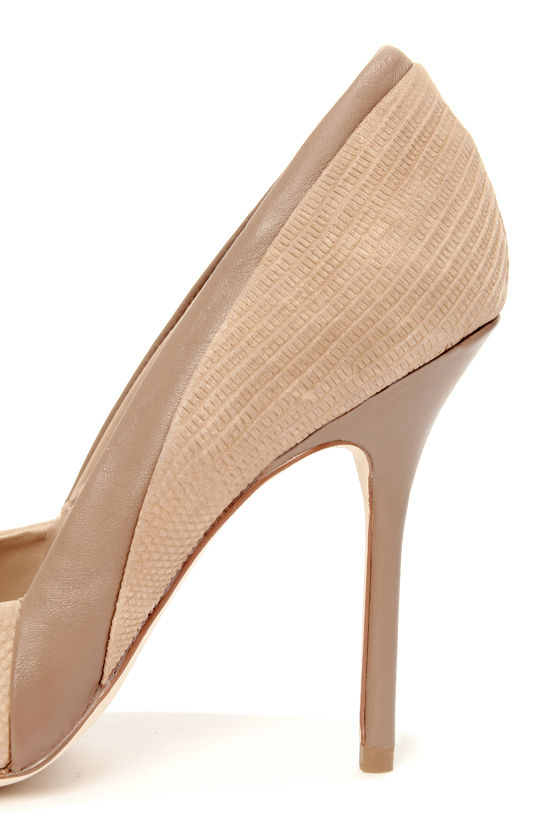 Steve Madden Clydee Taupe Leather Two-Tone Pointed Pumps at Lulus.com!