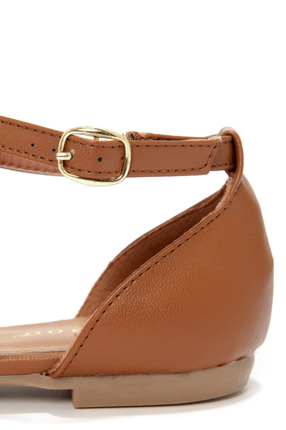 Bamboo Lynna 27 Chestnut and Gold Strappy Flats at Lulus.com!