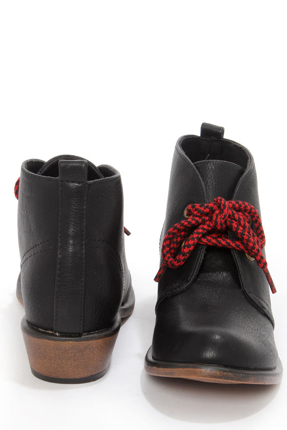 Dirty Laundry Pitch Black Lace-Up Ankle Boots at Lulus.com!