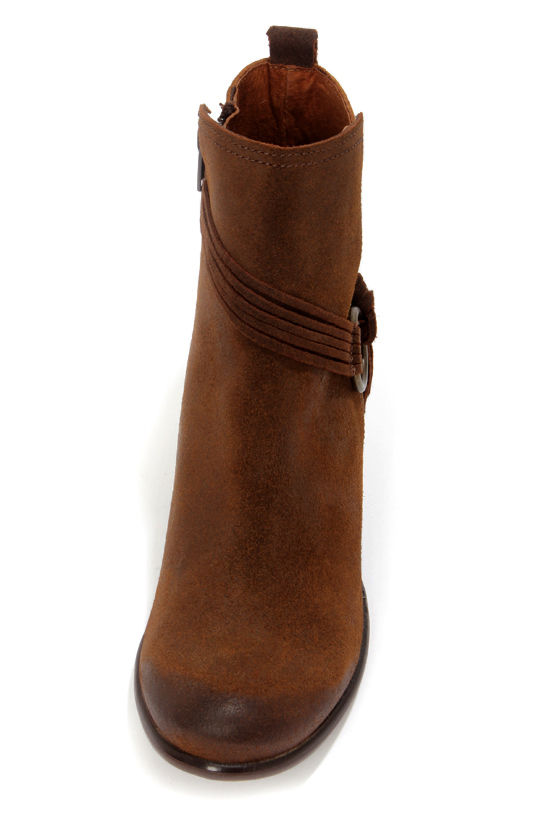 Sixtyseven Bailey 75126 Suoil Tan Leather Burnished Ankle Boots at Lulus.com!
