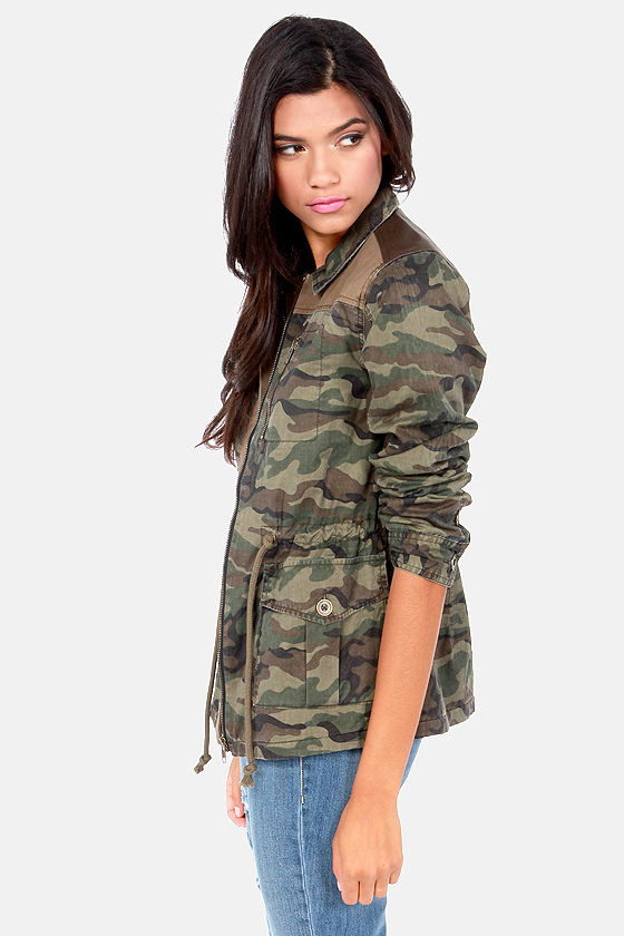 Gentle Fawn Archer Camo Print Army Jacket at Lulus.com!