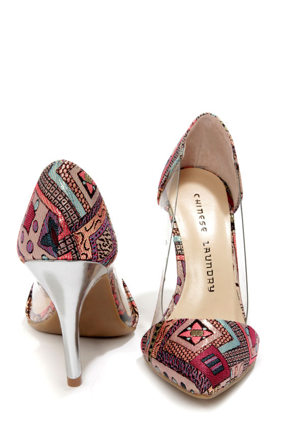Chinese Laundry Serendipity Fairytale Brocade and Lucite Pumps at Lulus.com!