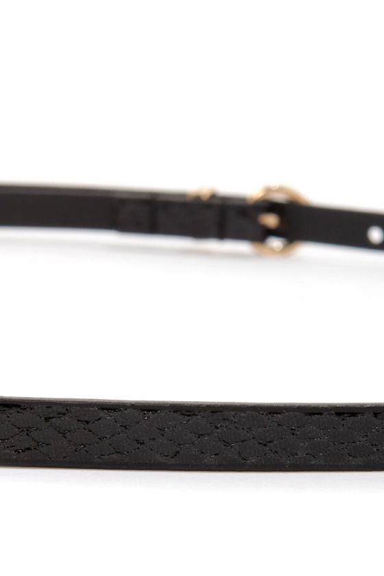Snake Peek Black Snakeskin Skinny Belt at Lulus.com!