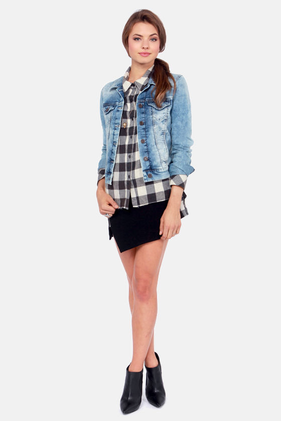 Mavi Samantha Bleached Medium-Wash Jean Jacket at Lulus.com!