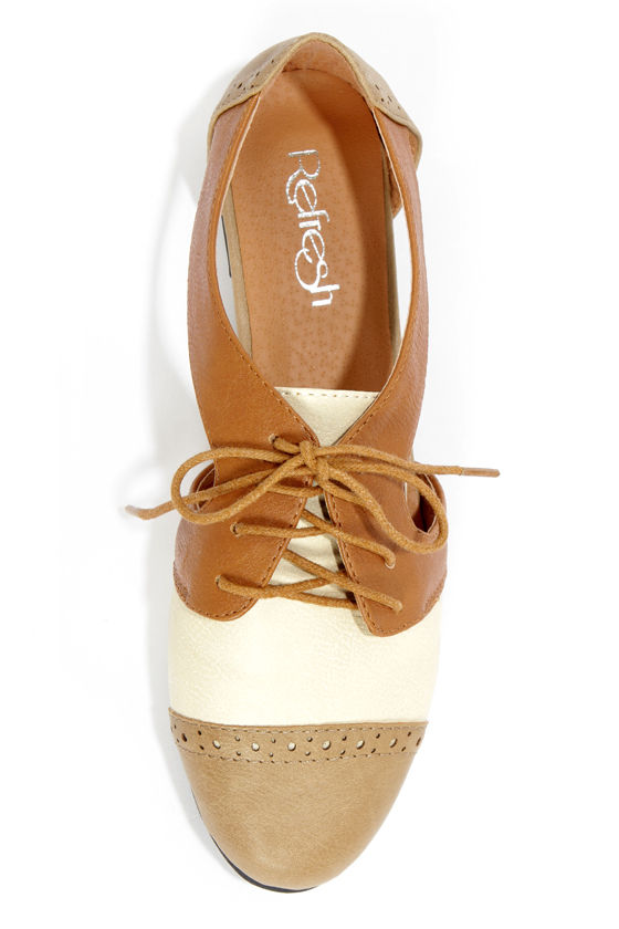Marty 01 Taupe and Tan Cutout Oxford Flats at Lulus.com!