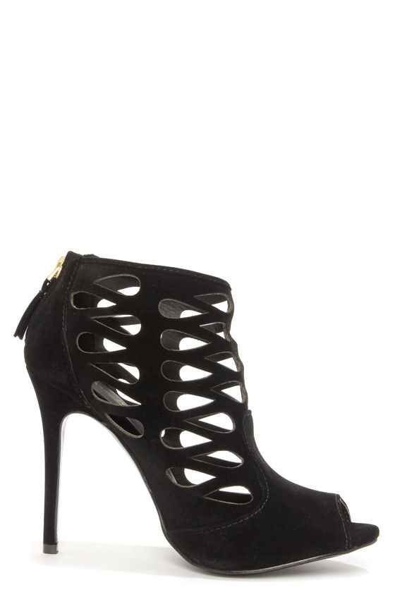 Anne Michelle Rapture 34 Black Cutout Ankle Booties at Lulus.com!